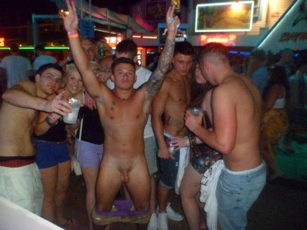 Drunk straight lads on holiday | Daily Dudes @ Dude Dump