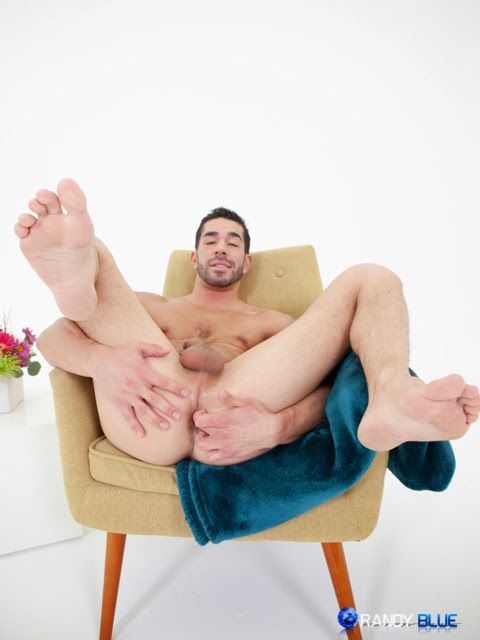 Ethan Russo Fingers His Hole | Daily Dudes @ Dude Dump