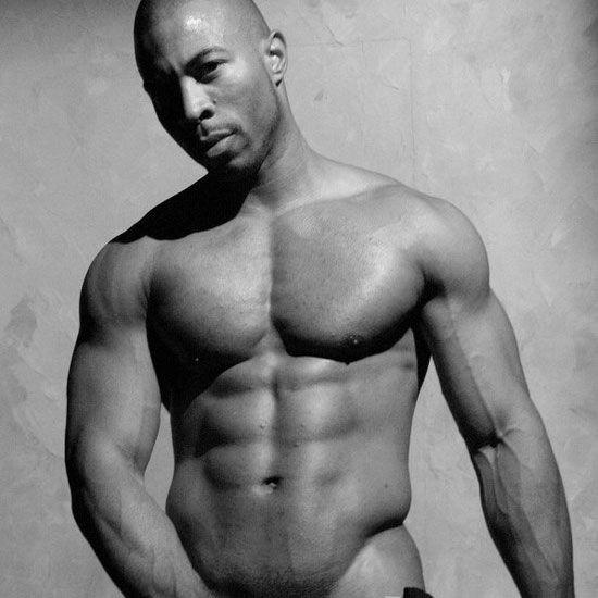 Felipe shows his muscular body | Daily Dudes @ Dude Dump