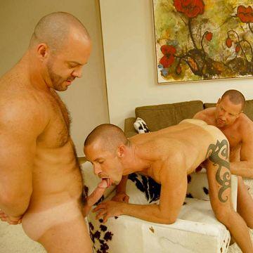 Gay Daddy Threesome   Daily Dudes @ Dude Dump