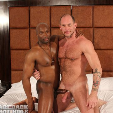 Gay Interracial Bareback With Champ Robinson | Daily Dudes @ Dude Dump