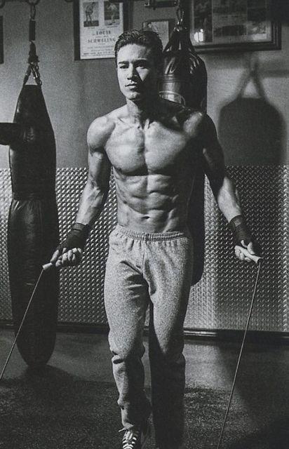 Gorgeous Mario Lopez Flexes His Muscles | Daily Dudes @ Dude Dump