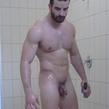 Gym stud caught in the open showers   Daily Dudes @ Dude Dump