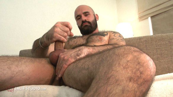 Hairy Bear REX Jerking off at JALIF STUDIO | Daily Dudes @ Dude Dump