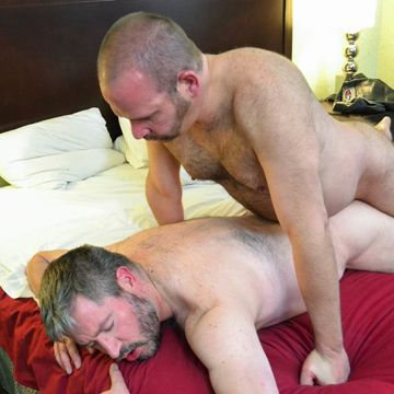 Hairy Bears Bareback – Scott Spears And Dan Lair | Daily Dudes @ Dude Dump