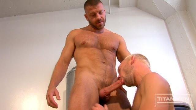 Hairy stud Hunter Marx fucks blond Mike Tanner | Daily Dudes @ Dude Dump