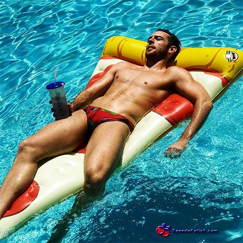 Hanging out in Speedos | Daily Dudes @ Dude Dump