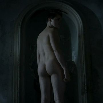 Happy Hallo-peen: Hottest Nudes From Recent Horror | Daily Dudes @ Dude Dump