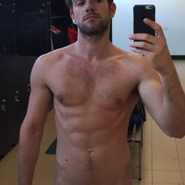 He wanna show off his abs, and his huge cock | Daily Dudes @ Dude Dump