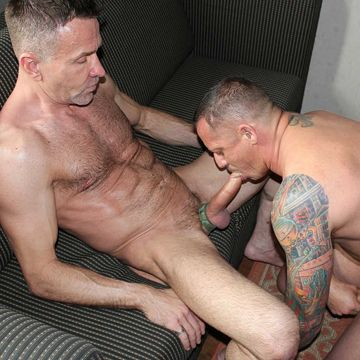 Hot Bareback Daddy Sex For Matt Sizemore And Kyle | Daily Dudes @ Dude Dump