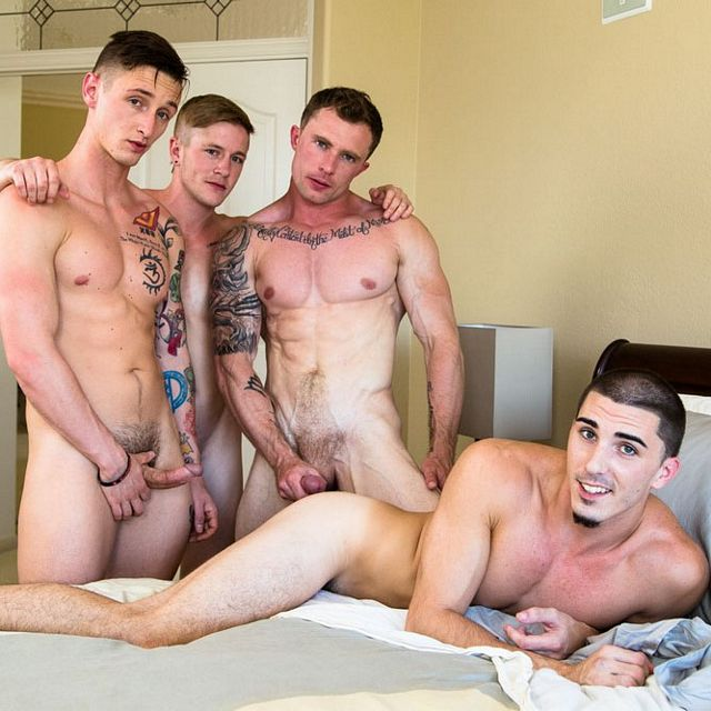 Hot bareback fourgy | Daily Dudes @ Dude Dump