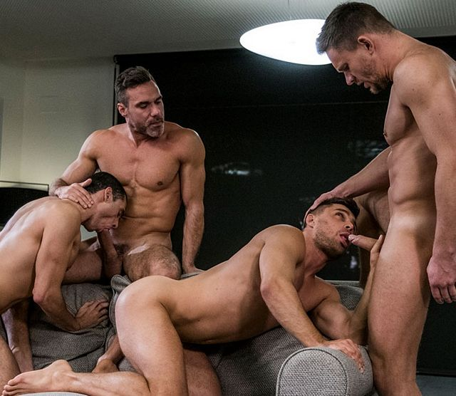 Hot muscle fuckers in bareback foursome | Daily Dudes @ Dude Dump