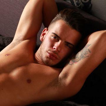 Hot shot — Juanjo in brief | Daily Dudes @ Dude Dump