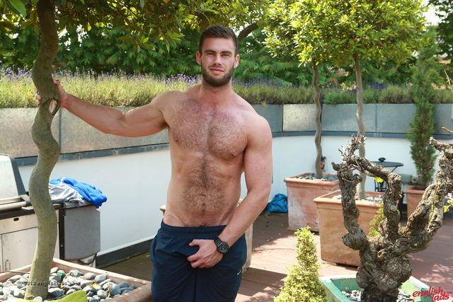 Hot Str8 Stud Alert! | Daily Dudes @ Dude Dump