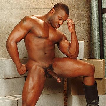 Hung Black Bodybuilder | Daily Dudes @ Dude Dump