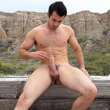 Hung Hunk's Beach Jack Off | Daily Dudes @ Dude Dump