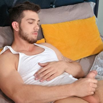 Hunky Chuck is built to fuck | Daily Dudes @ Dude Dump