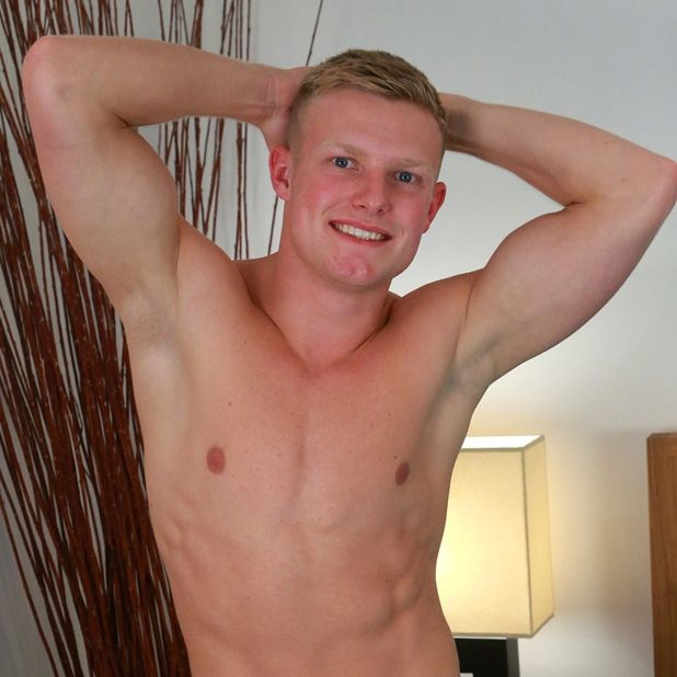 Hunky Muscular Blond Marcus Oaks Give a Solo Show | Daily Dudes @ Dude Dump