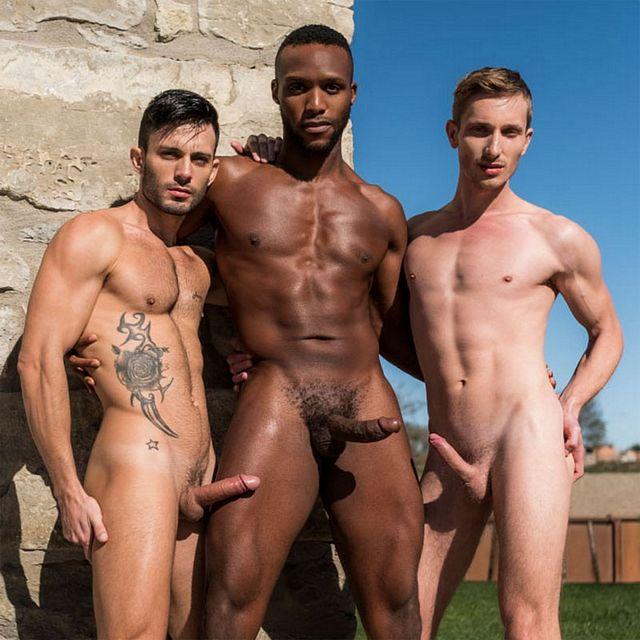 Interracial bareback threeway | Daily Dudes @ Dude Dump