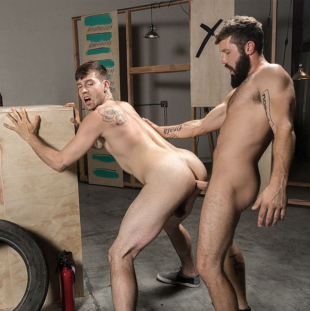 Jeff Powers fucks Buck Richards | Daily Dudes @ Dude Dump