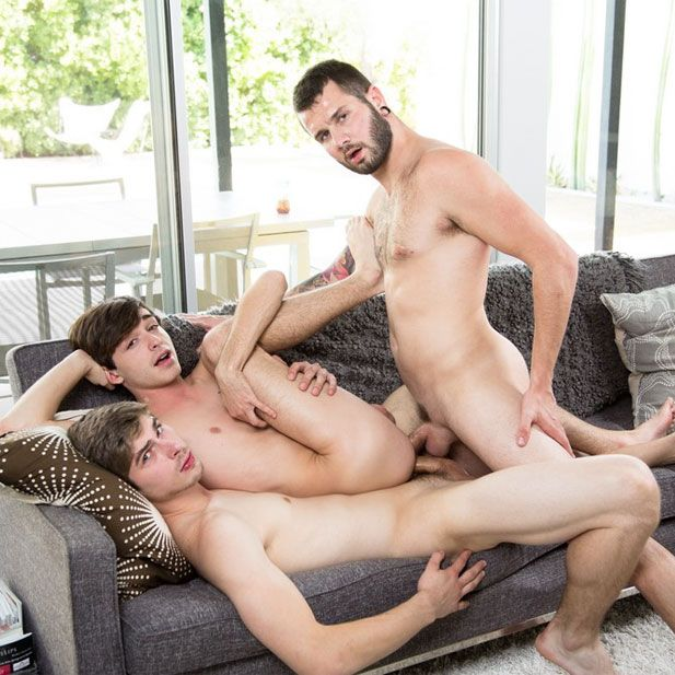Johnnyand Chad double-fuck Grayson | Daily Dudes @ Dude Dump