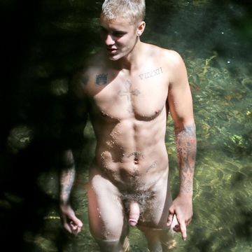 Justin Bieber's uncensored nudes | Flesh 'n' | Daily Dudes @ Dude Dump