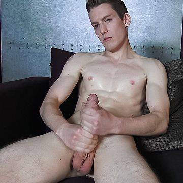 Kevin Daley Solo | Daily Dudes @ Dude Dump