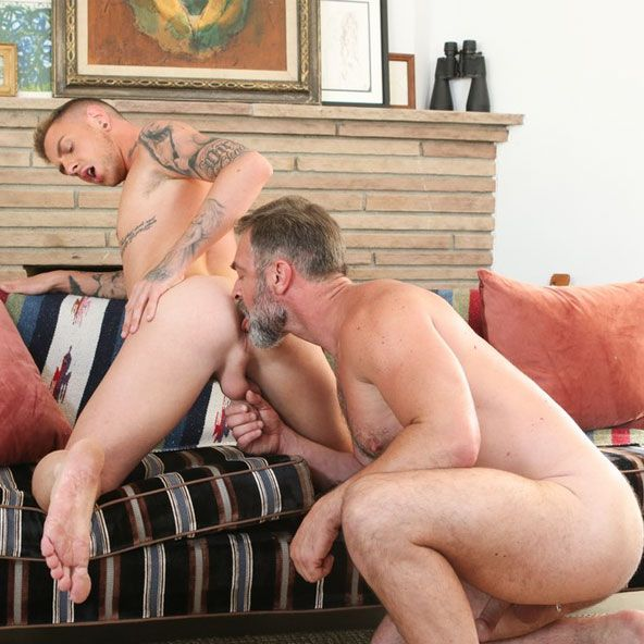 Kristofer Weston fucks Danny Gunn | Daily Dudes @ Dude Dump