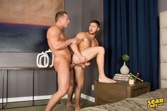 Lane gets pounded by muscle jock top Jack | Daily Dudes @ Dude Dump