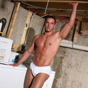 Laundry day with Maxi B. | Male-Erotika.com | Daily Dudes @ Dude Dump