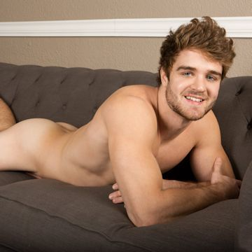 Lawrence is an easygoing jock | Male-Erotika.com | Daily Dudes @ Dude Dump