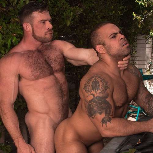 Liam Knox Bangs Lorenzo Flexx Outdoor | Daily Dudes @ Dude Dump