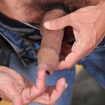 Lito Cruz Fingers his Foreskin | Daily Dudes @ Dude Dump