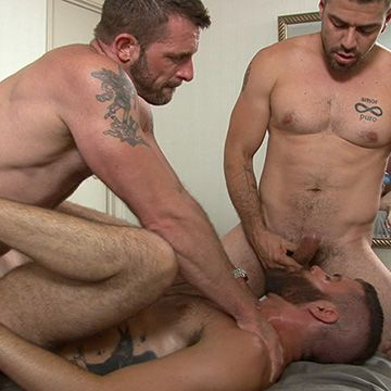 Lovers Double Penetrate Bottom | Daily Dudes @ Dude Dump