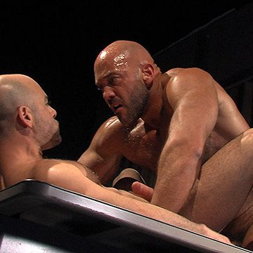 Massive Muscle Man Fucking Butt | Daily Dudes @ Dude Dump