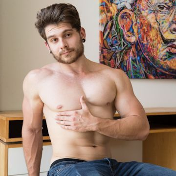 Matty Strong wants to show everything | Daily Dudes @ Dude Dump