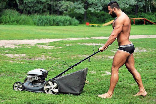 Mowing the Lawn in Speedos   Daily Dudes @ Dude Dump
