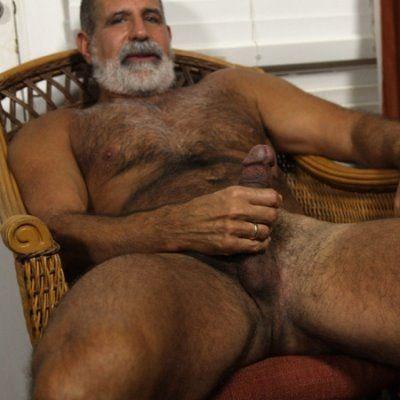 Muscle Bear Dad Zak Jerks Off | Daily Dudes @ Dude Dump