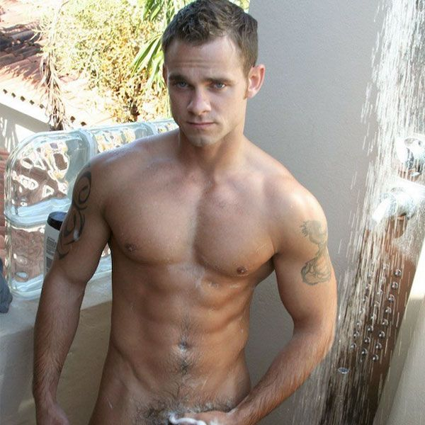 Muscle hunk Cooper Reed jerks off   Daily Dudes @ Dude Dump
