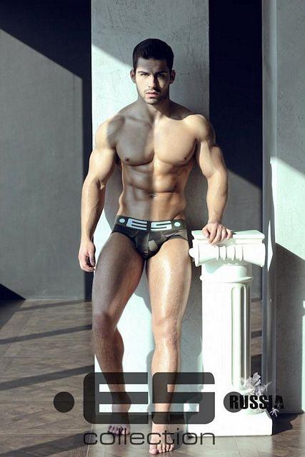 Muscle Hunk Roman Dawidoff | Daily Dudes @ Dude Dump