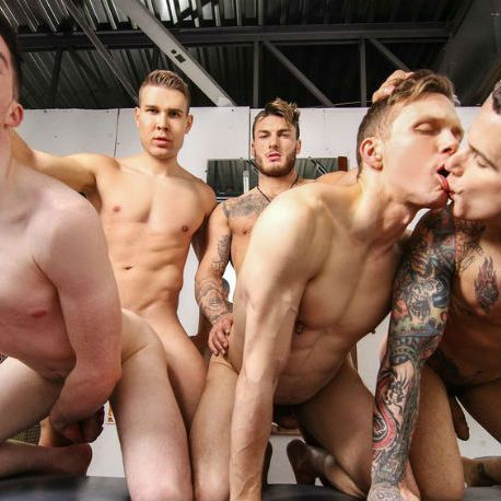 Muscle hunk William Seed fucks the whole team | Daily Dudes @ Dude Dump