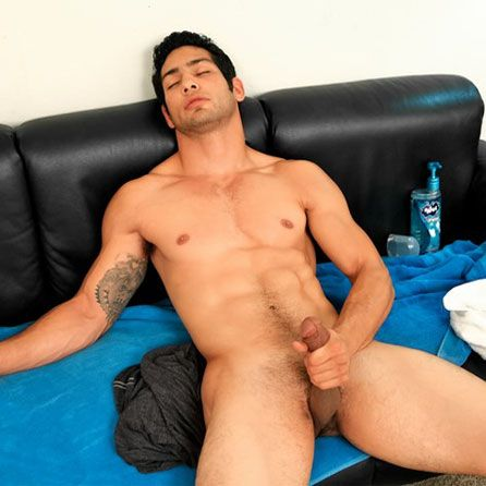 Muscle jock Marco Nanni solo | Daily Dudes @ Dude Dump