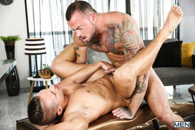 Muscle top Sean Duran bangs Aston Springs | Daily Dudes @ Dude Dump