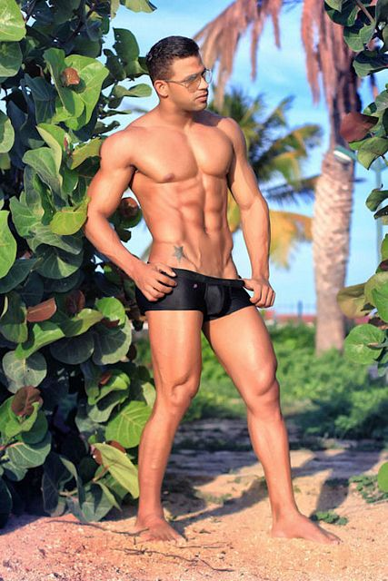 Musclebound Julian Salazar For Joe Snyder | Daily Dudes @ Dude Dump