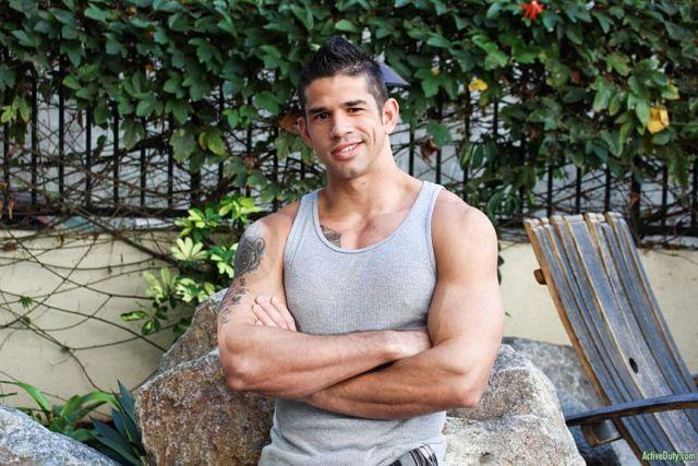 Muscular Hunk Jason Richards Jerking off | Daily Dudes @ Dude Dump