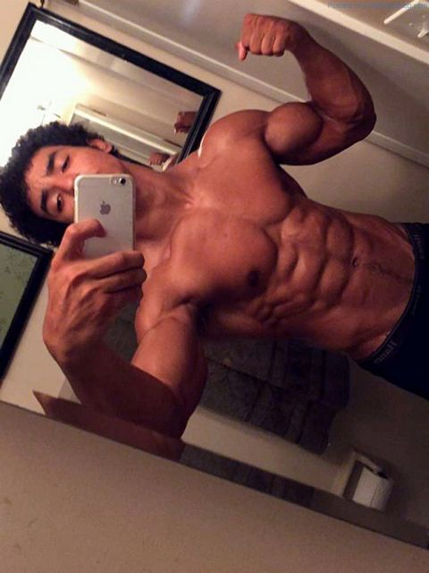 New Muscled Camguy At CamWithHim – Josh M | Daily Dudes @ Dude Dump