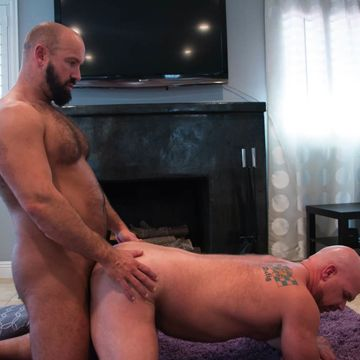 New Wade Cashen gets it from versatile daddy Troy | Daily Dudes @ Dude Dump