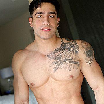 Newcomer Diego Cruz | Daily Dudes @ Dude Dump