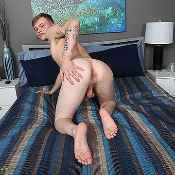 Newcomer JJ Smitts | Daily Dudes @ Dude Dump