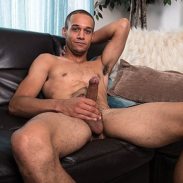 Newcomer Odin Strokes | Daily Dudes @ Dude Dump